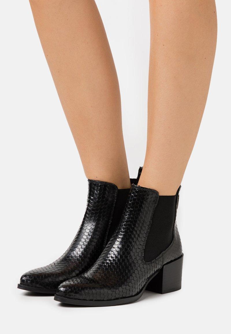 Les Tropéziennes par M Belarbi - KIWI - Ankle boots - noir