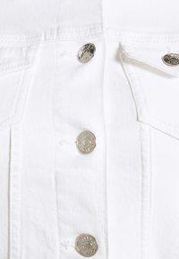 ONLY Petite - ONLTIA LIFE JACKET - Jeansjakke - white - 2