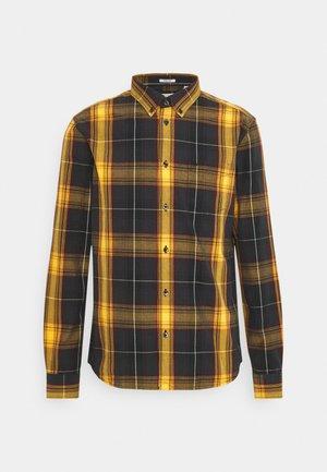 BUTTON DOWN SHIRT - Skjorter - spruce yellow
