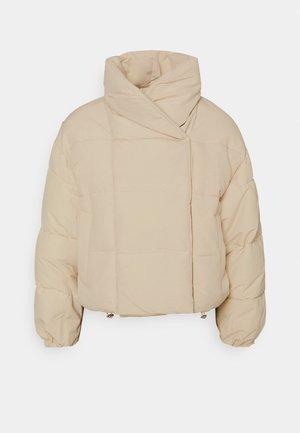 PCSAZEL SHORT PUFFER JACKET - Winter jacket - fog