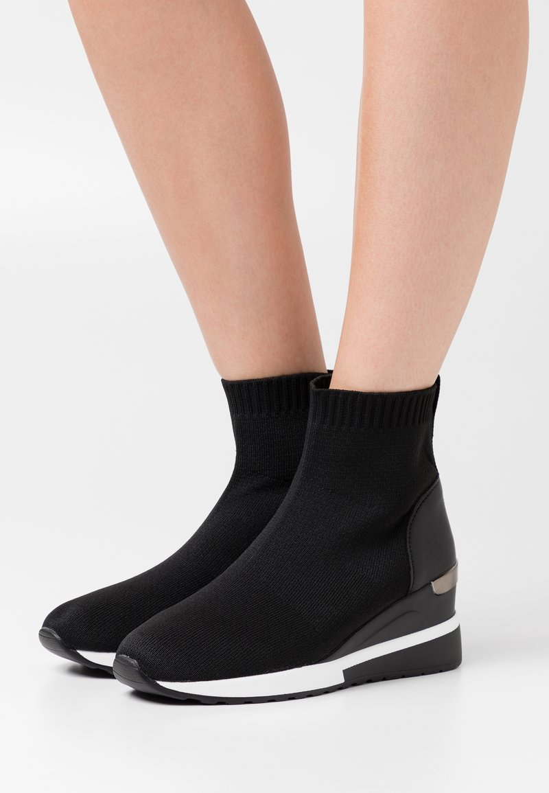 Tata Italia - High-top trainers - black