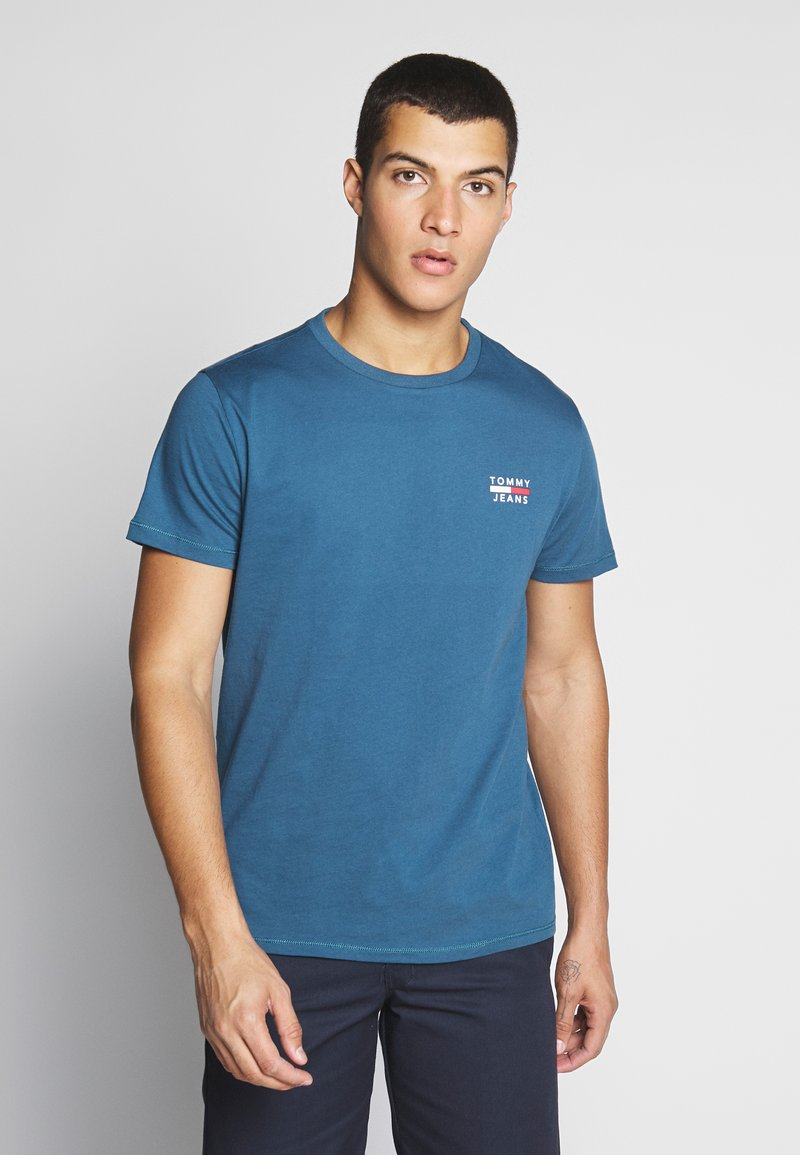 Tommy Jeans - CHEST LOGO TEE - Print T-shirt - audacious blue