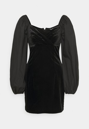 WRAP FRONT DRESS - Robe fourreau - black