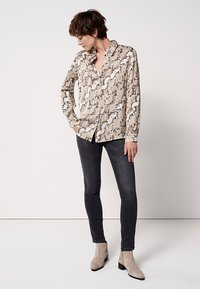someday. - ZUMERA  - Button-down blouse - pearl mélange - 1