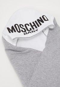 MOSCHINO - BLANKET - Tapis d'éveil - grey melange - 3