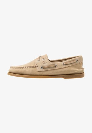 2-EYE SUEDE - Boat shoes - sand