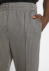 Weekday - KEN TRACKPANTS - Kalhoty - brown - 4