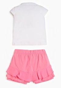 Guess - 2 PIECE SET - Shorts - bianco - 1