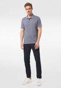 Pierre Cardin - FUTUREFLEX LYON - Jeans Tapered Fit - black blue - 1