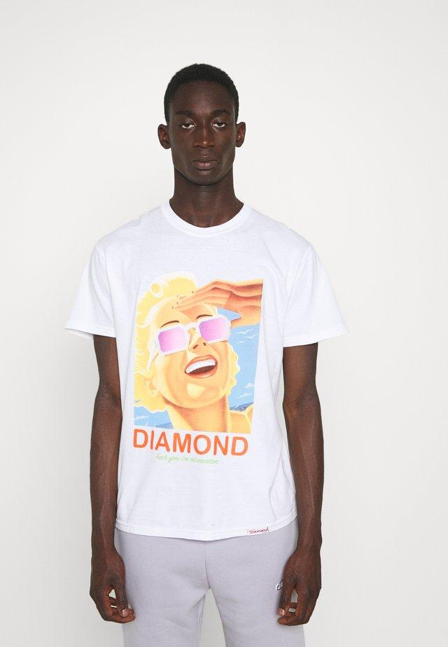 VACATION TEE - Print T-shirt - white