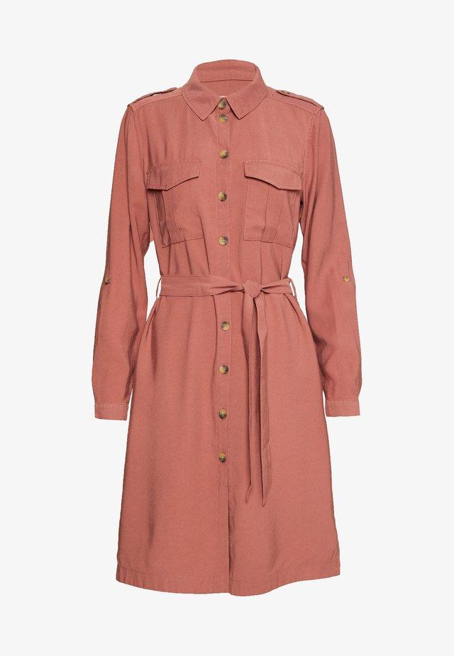 ONLACACIA ARIS SHIRT DRESS - Vestido camisero - apple butter