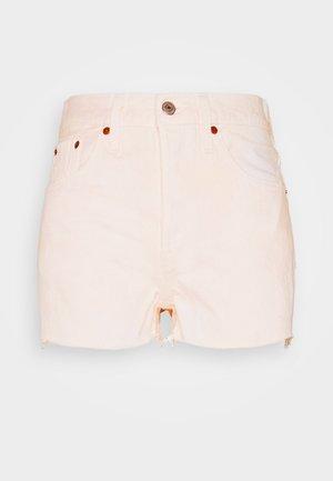 501® ORIGINAL - Jeansshorts - peach