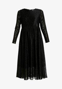 Nümph - NUMUIREANN DRESS - Cocktailkjole - caviar - 5