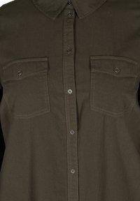 Zizzi - MIT BRUSTTASCHEN - Button-down blouse - green - 5