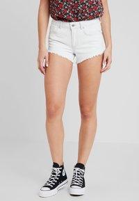 TWINTIP - Jeansshort - bleached denim - 0