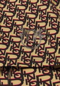 Pinko - FURBO CANOTTA LOGO - Print T-shirt - brown - 4