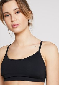Cotton On Body - WORKOUT YOGA CROP - Sujetador deportivo - black - 4