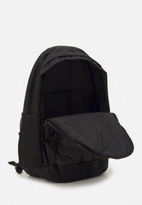 Nike Sportswear - HAYWARD AIR UNISEX - Rucksack - black/anthracite/white - 2