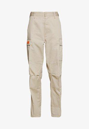 COMBAT - Spodnie materiałowe - beige