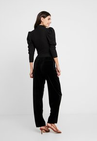 Trendyol - SIYAH - Långärmad tröja - black - 2