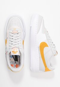 Nike Sportswear - AIR FORCE 1 SHADOW - Joggesko - vast grey/pollen rise/washed coral/white - 3