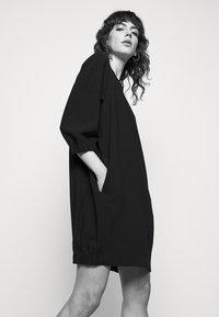 Marella - KARLIE - Denní šaty - nero - 3