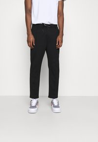Calvin Klein Jeans - GALFOS MILANO PANT - Pantalon de survêtement - black - 0