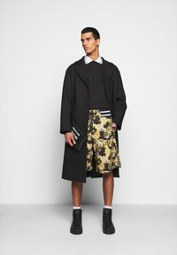 Versace Jeans Couture - FELPA - Sweatshirt - nero - 1