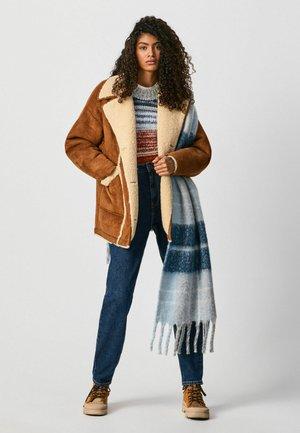 GERTRU - Light jacket - marrón tan
