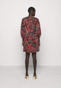 TWINSET - Jumper dress - nero/ciliegia - 2
