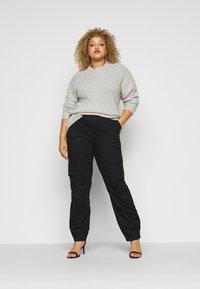 Missguided Plus - TROUSER - Pantaloni cargo - black - 1