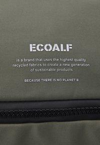 Ecoalf - ANDERMATT BACKPACK - Batoh - khaki - 4