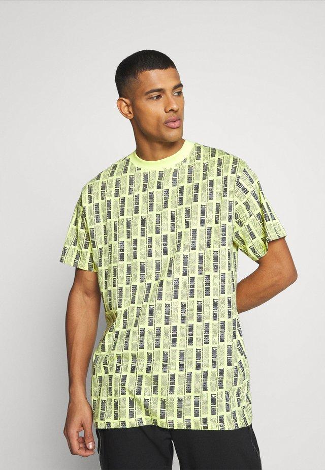 USHER - Print T-shirt - pastel neon yellow