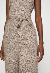 Abercrombie & Fitch - SMOCKED BODICE  - Jumpsuit - brown - 5