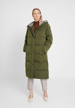 Vinterkåpe / -frakk - khaki