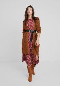Louche - RILEY PAISLEY - Maxi dress - red - 2