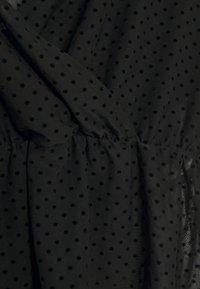 ONLY Petite - ONLCAMMI TOP - Pusero - black - 2