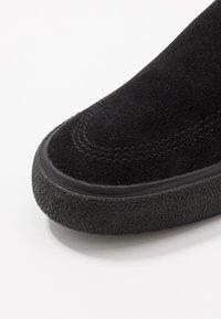 Nike SB - ZOOM JANOSKI - Slip-ons - black/photo blue/hyper pink - 5