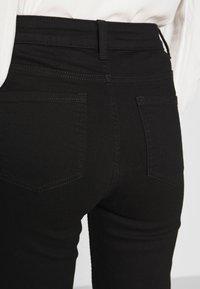 Marks & Spencer London - SIENNA - Straight leg jeans - black - 4