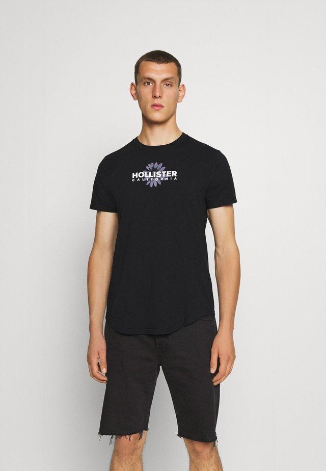 FLORAL PRINT LOGO  - T-shirt z nadrukiem - black