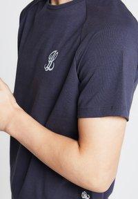 Illusive London Juniors - Print T-shirt - grey - 3