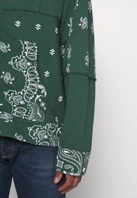 Jaded London - CUT AND SEW BANDANA HOODIE - Zip-up sweatshirt - green - 4