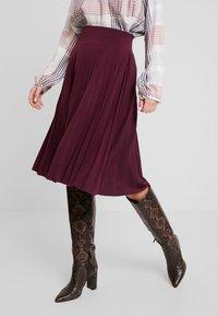 Anna Field - Plisse A-line mini skirt - A-Linien-Rock - winetasting - 0