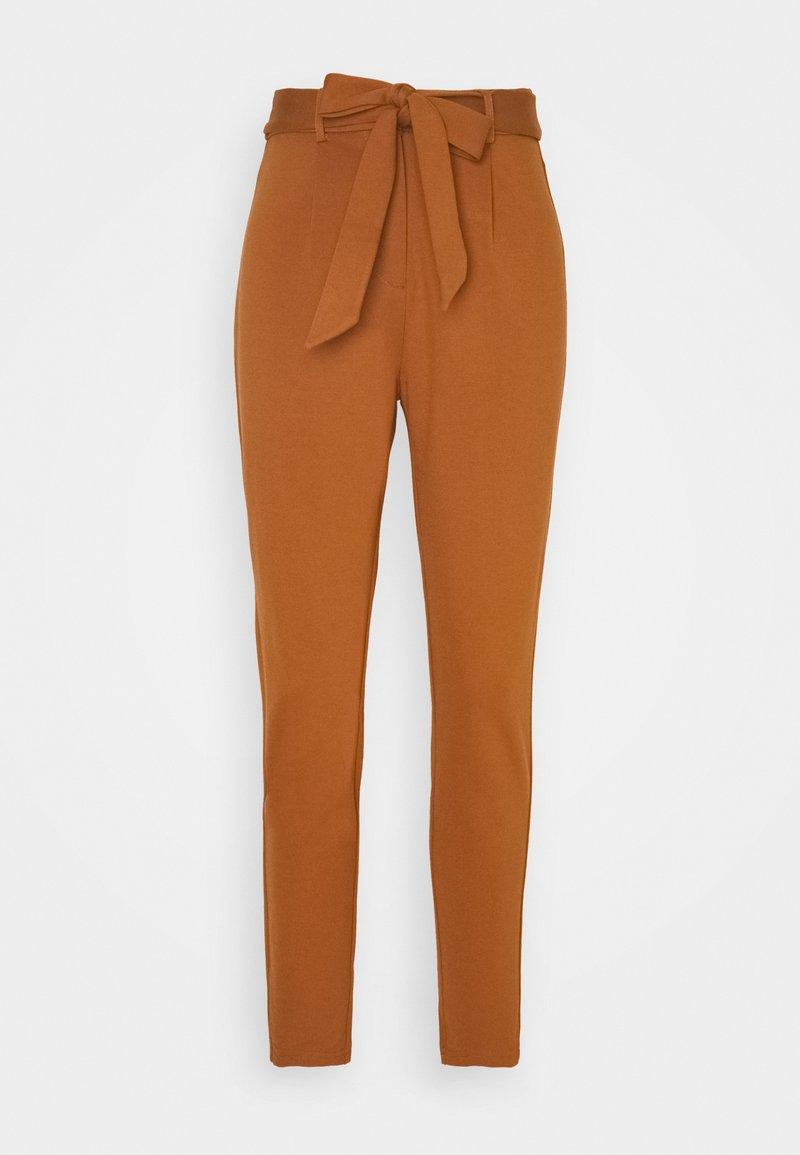 Pieces Petite - PCBEATE TIE PANTS - Trousers - mocha bisque