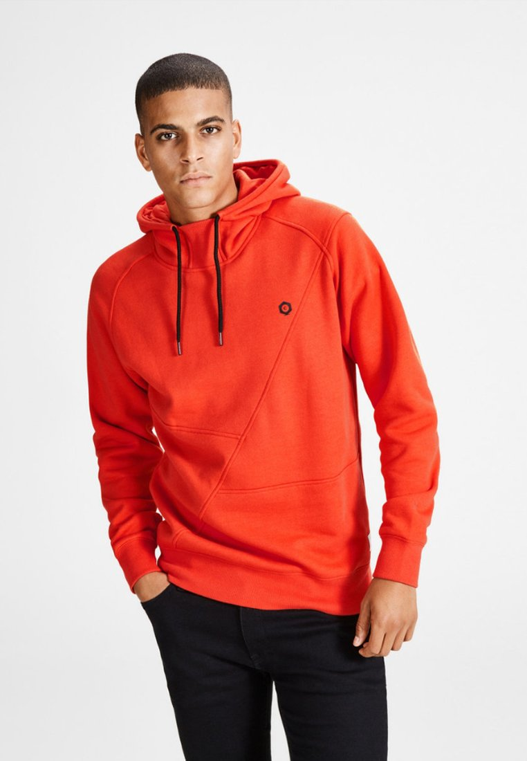 Jack & Jones - JCOPINN HOOD REGULAR FIT - Sweat à capuche - fiery red
