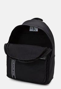 Calvin Klein Jeans - INSTITUTIONAL LOGO BACKPACK - Zaino - black - 2