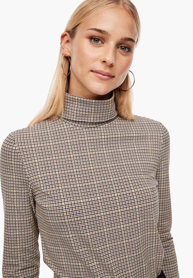 LANGARMSHIRT MIT ALLOVERMUSTER - Polo shirt - offwhite aop
