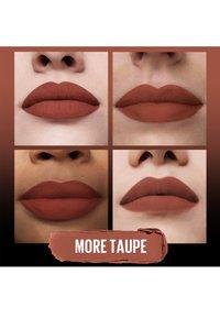 Maybelline New York - COLOR SENSATIONAL ULTIMATTE - Lipstick - more taupe - 3
