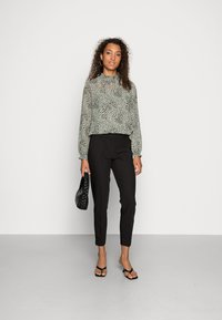 ONLY - ONLVERONICA PISA  CIGARET - Trousers - black - 1