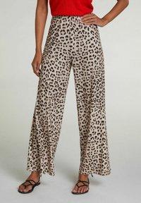 Oui - Trousers - light grey camel - 0